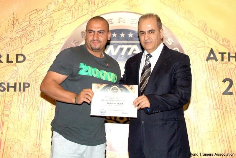 Awarding Mr. Alghailani Khalid from Yemen in the WTA Competition of 2013